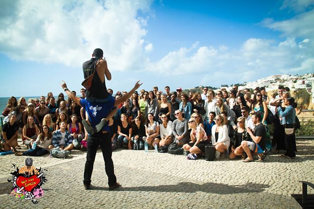 International students taking a group photo at Fisherman´s Beach in Albufeira Lagos on the Portugal Weekend Trip